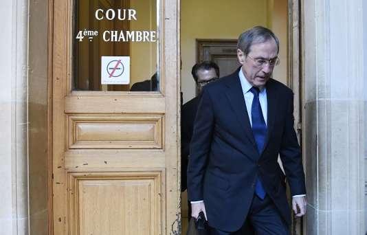 Claude Guéant arrive à la cour d'appel de Paris pour son procès, le 28 novembre 2016.