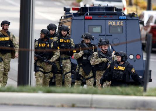Les forces de l'ordre intervenant dans le campus de l'Ohio State University lors de l'attaque, à Columbus, le 28 novembre 2016.