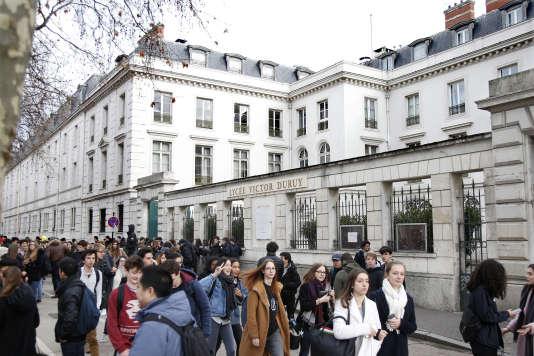 L'entrée du lycée Victor-Duruy, à Paris, en février.