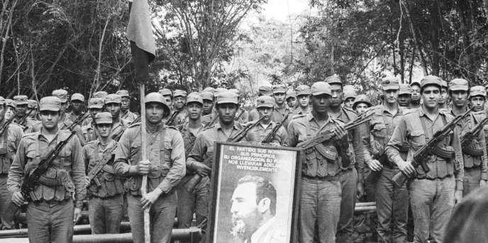 Soldats cubains en mission en Angola en janvier 1976.