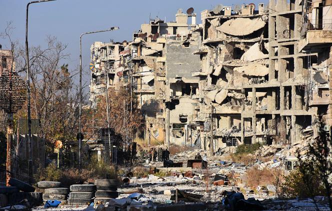 Dans le quartier de Boustane Al-Bacha, à Alep, le 28 novembre.