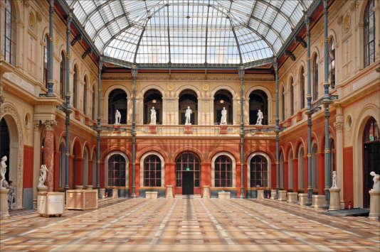 La cour du palais des études de l'Ecole des beaux-arts, à Paris.
