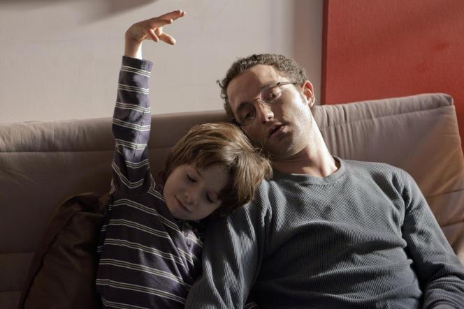 Timothé vom Dorp et Guillaume Gouix dans« Pilules bleues».