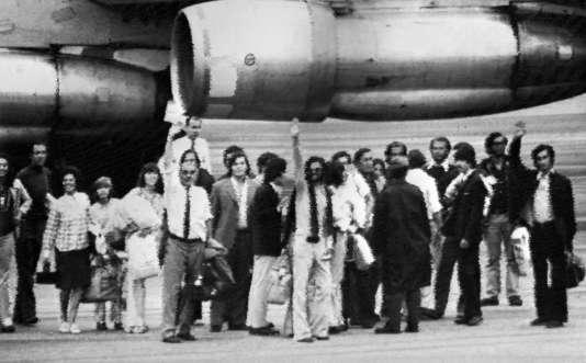 Les 16 survivants de l'accident d'avion dans les Andes, à leur retour à Montevideo.