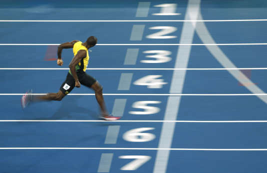 Usain Bolt franchit la ligne d'arrivée du 200 m, le 18 août à Rio.