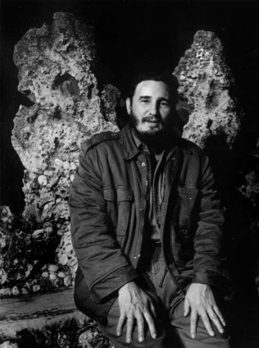 Fidel Castro photographié par Agnès Varda en 1963 à Cuba.