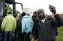 Après la fermeture de la « jungle» de Calais, des réfugiés en route vers le centre d'accueil et d'orientation de Cancale, en Bretagne, le 24 octobre.