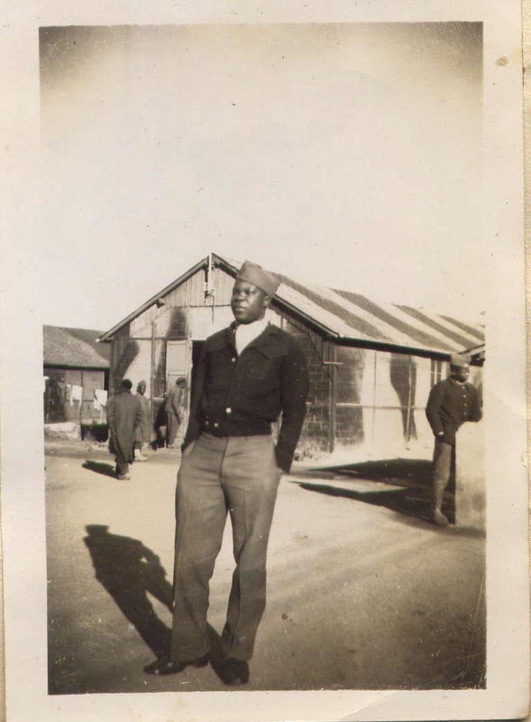 Le tirailleur sénégalais Antoine Abibou dans les années 1940.