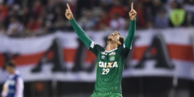 Le défenseur de Chapecoense, Neto, l'un des quatre joueurs qui ont survévu au crash.
