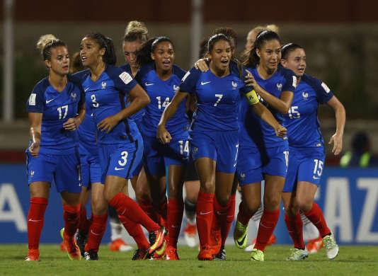 L'équipe de France féminine des moins de 20 ans lors du match face à l'Allemagne, le 25 novembre à Port Moresby.