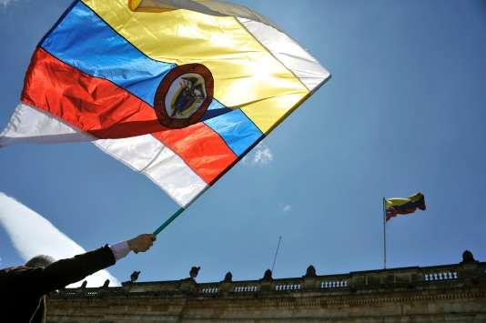 Le drapeau colombien.
