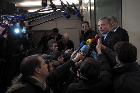 Bernard Accoyer devant le siège du parti Les Républicains, à Paris, le 29 novembre 2016.