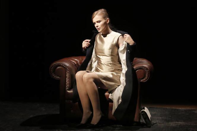 Isabelle Carré est une fois de plus merveilleuse de justesse et de délicatesse.