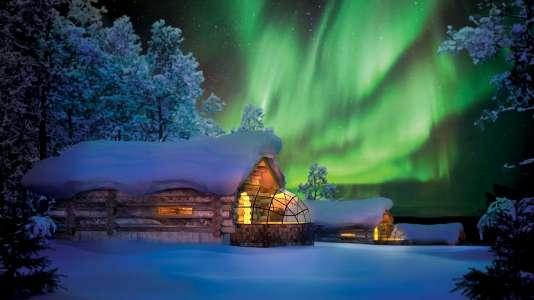 Aurores boréales et saunale plus grand du monde, auKakslauttanen.