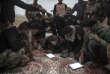 Le 24 octobre, le major Salam réunit ses hommes à l'aube pour élaborer le plan de bataille du jour.