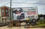 Une campagne d'affichage dénonçant le vandalisme des installations pétrolières dans la ville de Warri, dans l'État du Delta, au sud du Nigeria, en juin.
