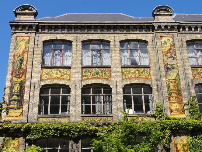 L'une des façades de l'Ecole supérieure des arts décoratifs de Strasbourg.