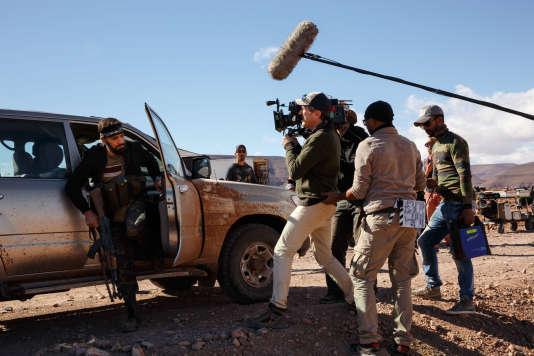 Caméra sur l'épaule, Eric Rochant sur le tournage de la série« Bureau des légendes» au Maroc.