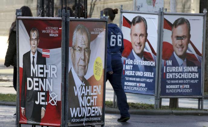 Des affiches électorales à Vienne, le 22 novembre.