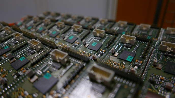 Des composants électroniques munis de dispositifs anticontrefaçon fabriqués dans le cadre du projet Salware.