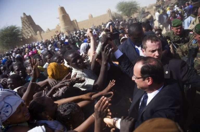 François Hollande à son arrivée à Tombouctou, au Mali, le 2 février 2013.