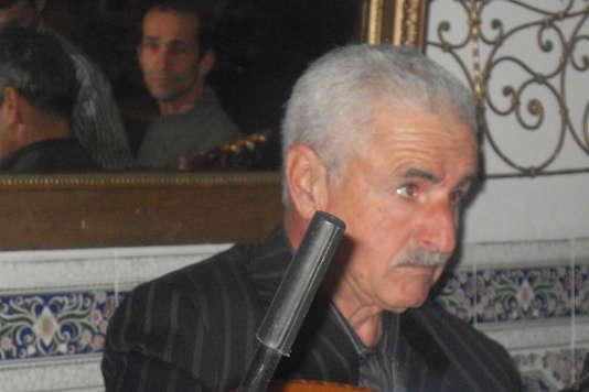 Le chanteur de chaâbi, Amar Ezzahi.