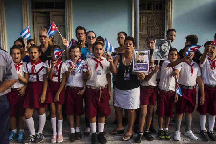 Les écoliers creint «Viva Fidel», le 2 décembre.