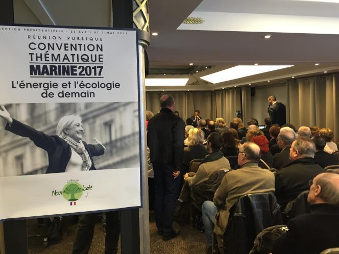 Convention écologie du Front national, dans les salons de l'hôtel Napoléon à Paris, vendredi 2 décembre.