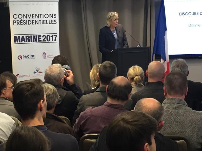 Marine Le Pen, lors d'une convention sur l'écologie du Front national, dans les salons de l'hôtel Napoléon, à Paris, vendredi 2 décembre.