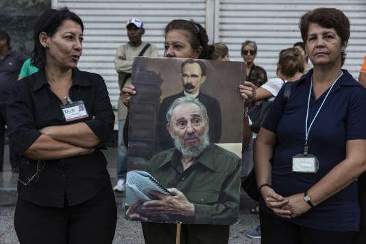 Sur le passage de la dépuille de Fidel Castro à La Havane ( Cuba) le 30 décembre.