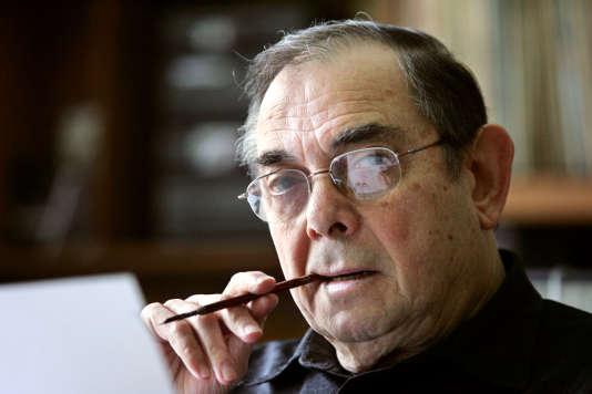 Un portrait de Marcel Gottlieb, photographié le 4 mai 2005, dans son bureau, à Paris.