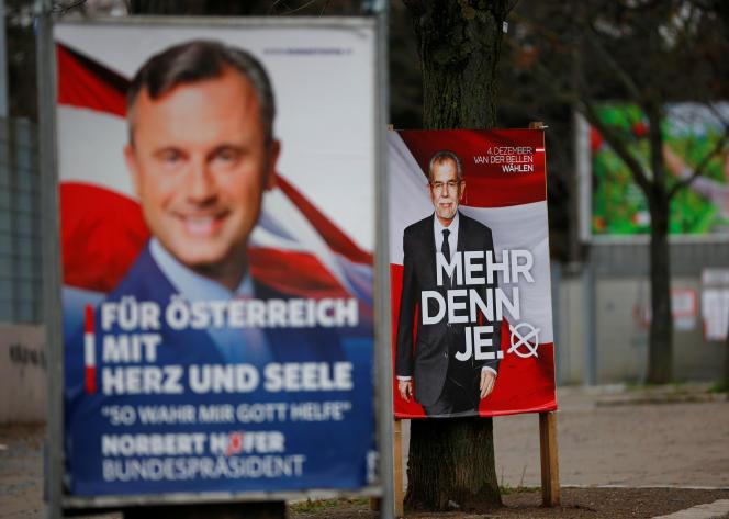 Affiches électorales pour les candidats Norbert Hofer et Alexander Van der Bellen à Vienne le 1er décembre.