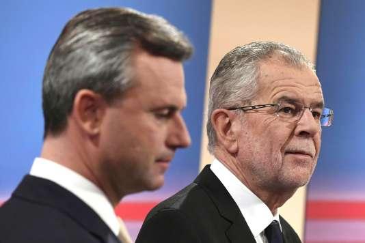 Norbert Hofer, candidat malheureux du FPÖ (extrême-droite), et Alexander Van der Bellen, nouveau président autrichien élu dimanche 4 décembre.