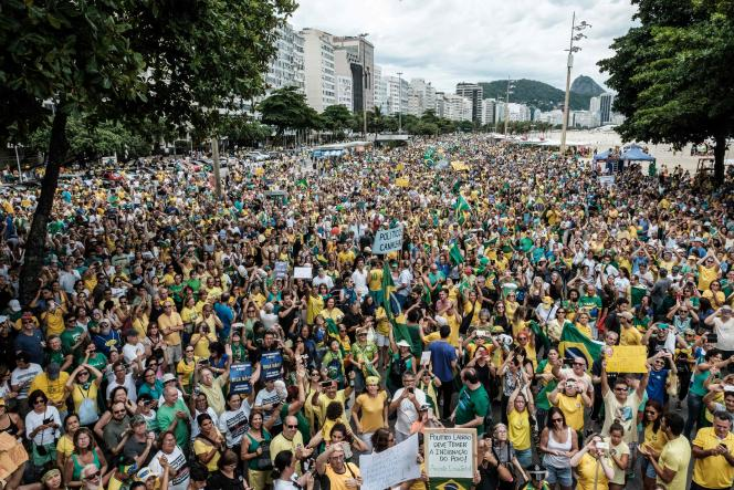Manifestation contre la corruption à Rio de Janeiro, le 4 décembre.