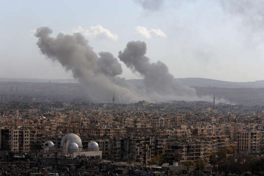 Vue d'Alep sous les bombes, le 3 décembre 2016.