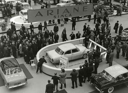 «L'Ariane des records»au Salon de l'auto de Paris 1960.