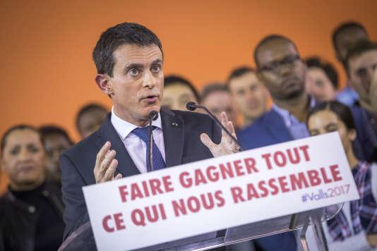 Manuel Valls, Premier ministre, annonce sa candidature  à l'élection présidentielle de 2017 à la mairie d'Evry, lundi 5 décembre 2016 - 2016©Jean-Claude Coutausse / french-politics pour Le Monde