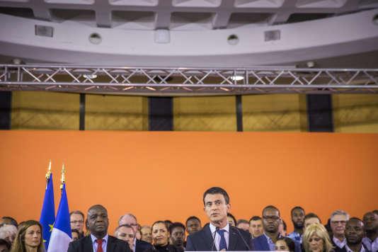 Manuel Valls à la mairie d'Evry (Essonne), le 5 décembre.