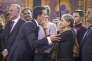 Manuel Valls, avec sa mère, après l'annonce de sa candidature à l'élection présidentielle, à Evry, lundi 5 décembre.