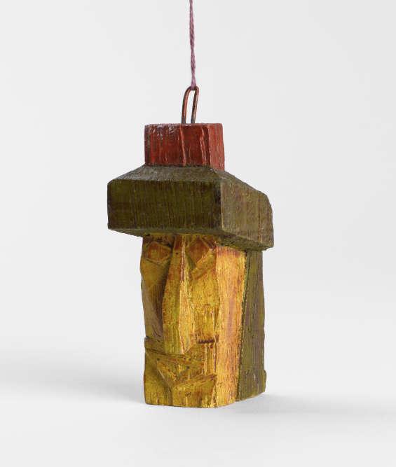 « Le Bauhaus est aussi une formidable aventure humaine, portée par des artistes animés d'un profond respect les uns pour les autres, comme en témoignent les cadeaux qu'ils s'offrent mutuellement, par exemple cette tête offerte par Feininger à Nina Kandinsky. Beaucoup de ces cadeaux ont été par la suite emportés par les Bauhausler en exil, ce qui souligne leur importance.»