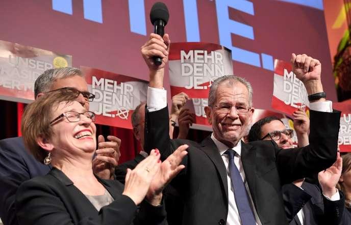 Alexander Van der Bellen après sa victoire à l'élection présidentielle autrichienne, à Vienne, le 4 décembre.