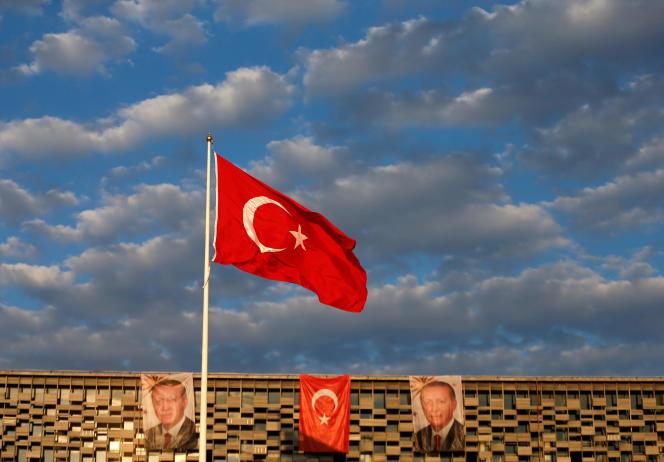 Près de la place Taksim, à Istanbul, en juillet.