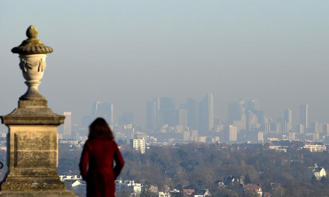 Vue de La Défense depuis Saint-Germain-en-Laye, le 5 décembre.