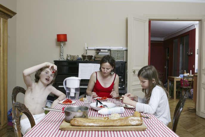Photographie tirée de la série «La table de l'ordinaire».