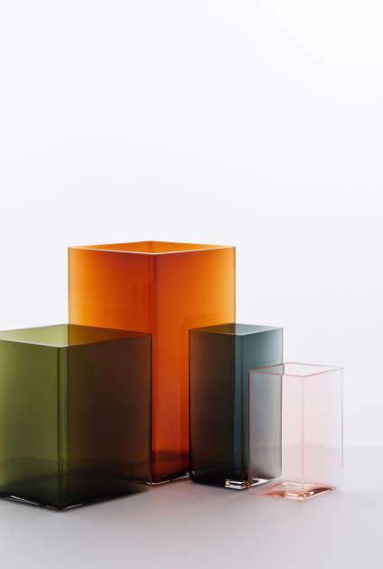 Les vases Ruutudes frères Bouroullec pour Iittala : une incroyable boule de verre soufflée en forme de losange (2016).