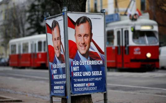 Affiche en faveur de Norbert Hofer, le 1er décembre à Vienne.
