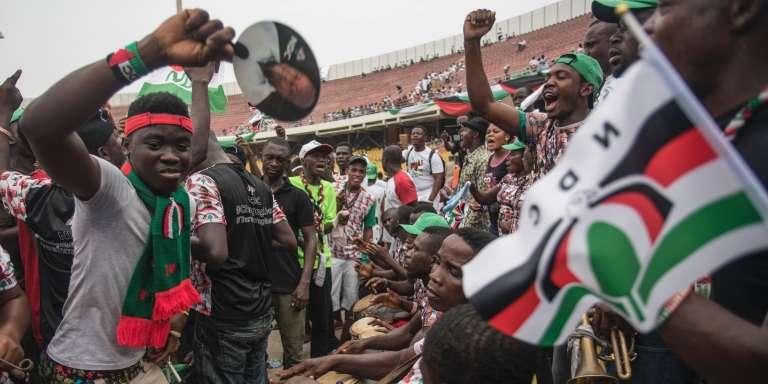 Le 5 décembre, dernier meeting de campagneà l'Accra Sports Stadium du président John Dramani Mahama (NDC)qui brigue un second mandat lors de la présidentielle du 7 décembre 2016.