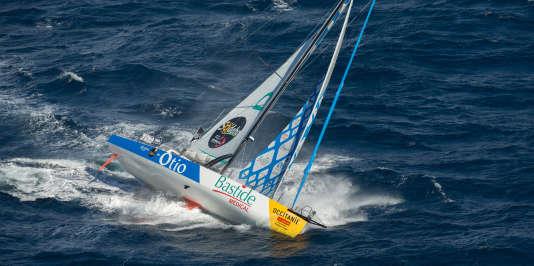 Le «Bastide-Otio», du skippeur français Kito de Pavant, en juin lors d'une session d'entrainement.