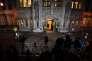 Presse, radios et télés attendent devant l'entrée de la Cour suprême britannique à Londres, le 5 décembre.
