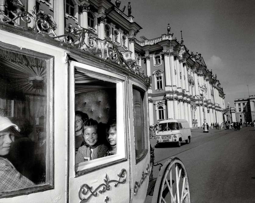 Place duPalais, devant le Muséede l'Ermitage,à Saint-Pétersbourg, en 1988.